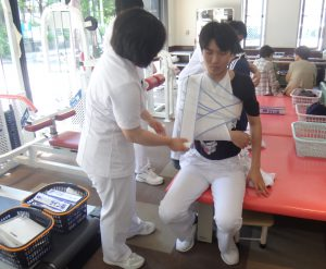 卒前研修 肩関節脱臼の整復・固定 1
